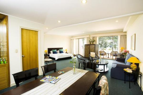 https://s3-ap-southeast-1.amazonaws.com/viettrip/Hotels/99/duparc-phan-thiet-ocean-dunes-golf-resort-khach-san-novotel-cu-1.jpg