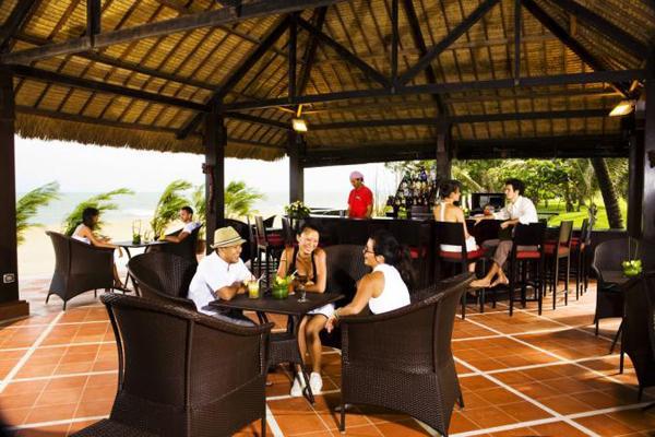 https://s3-ap-southeast-1.amazonaws.com/viettrip/Hotels/99/duparc-phan-thiet-ocean-dunes-golf-resort-khach-san-novotel-cu-2.jpg