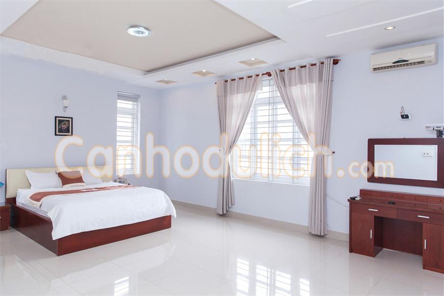https://s3-ap-southeast-1.amazonaws.com/viettrip/Products/10cf7da7-b188-4da7-ad46-69cf959507c5/091615_20032018_ruby-deluxe-villa-rd03-canhodulich3.jpg