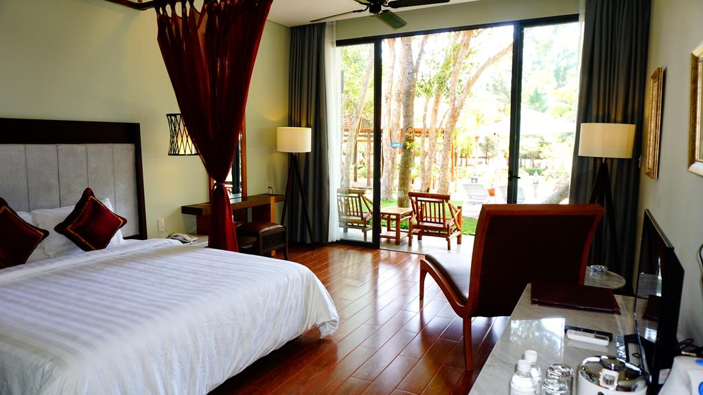 Sài Gòn Hồ Cốc Beach Resort