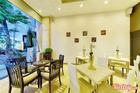 https://s3-ap-southeast-1.amazonaws.com/viettrip/Products/a846454e-607f-475e-b133-220ba1bff172/Thumbnail_092024_26012018_richico-apartment-hotel-da-nang-viettrip4.jpg