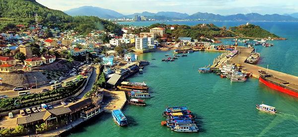 Khách sạn Vũng Tàu -dịch vụ đặt phòng 028.71060258 của VIETTRIP.VN khách du lịch sẽ có rất nhiều sự lựa chọn về những resort, khách sạn đạt chuẩn quốc tế. Như khách sạn 3*, 4*, 5* đúng chuẩn với dịch vụ và chất lượng tuyệt vời nhất tại công ty chúng tôi.
