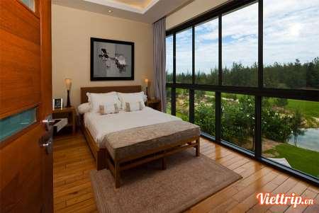Luxurious 5 Bed Room Beachfront Pool Villa (5 bathroom)
