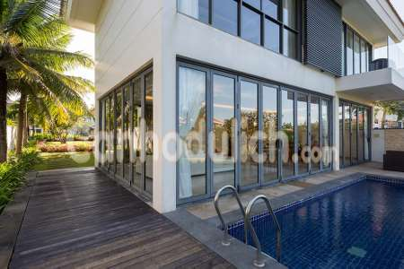 Luxurious 5 Bed Room Beachfront Pool Villa (5 bathroom)