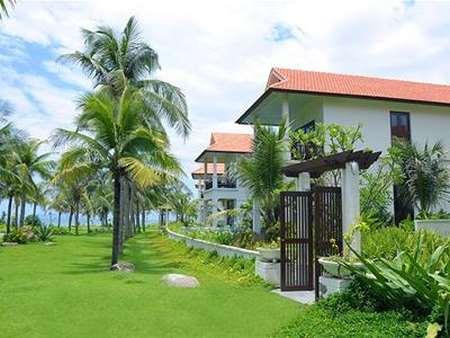 Three – Bedroom Beachfront Pool Villa
