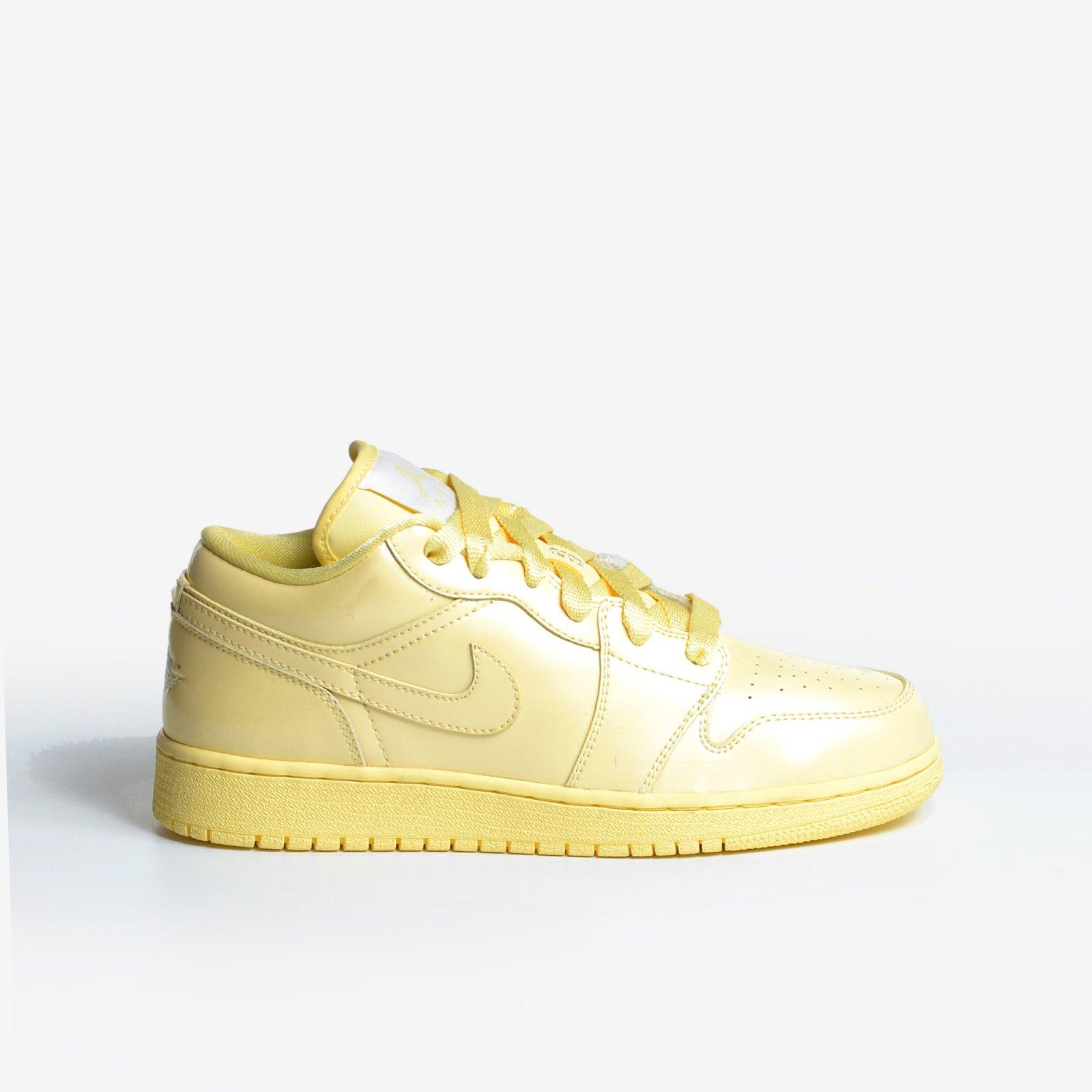 c428066b059 Girls Air Jordan 1 Phat Low Size 5.5Y Lemon Patent Retro GS Nike 352718-711