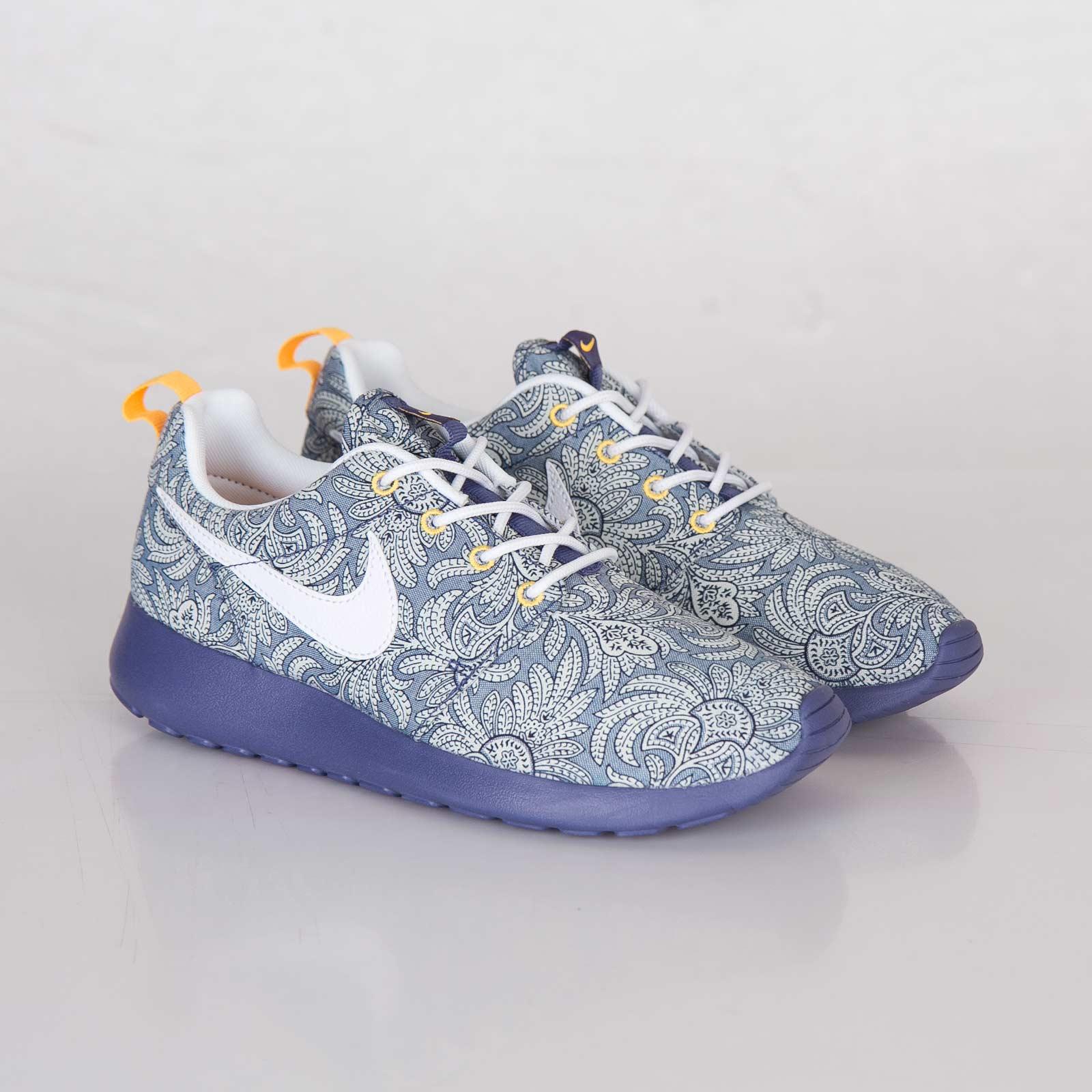 Nike womens roshe run liberty qs pimp kicks