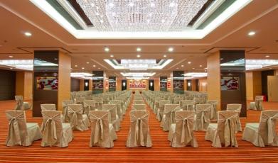 Dorsett-Regency-Hotel's-Ballroom149284122658faf30b002d30.83025502.jpg