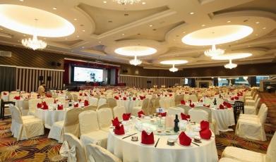 Grand-Valley-Ballroom149285594058fb2c8437f1d1.12105130.jpg
