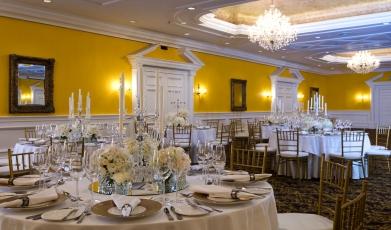 Ritz-Carlton's-Banquet-Hall149301908258fda9ca300940.86765147.jpg