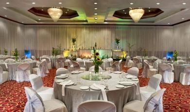Sheraton-Langkawi-Beach-Resort's-Grand-Ballroom149292987558fc4d53155bf9.05453914.jpg