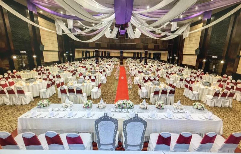 TH-Hotel-Ballroom15209287495aa787ed205b19.09479279.jpg