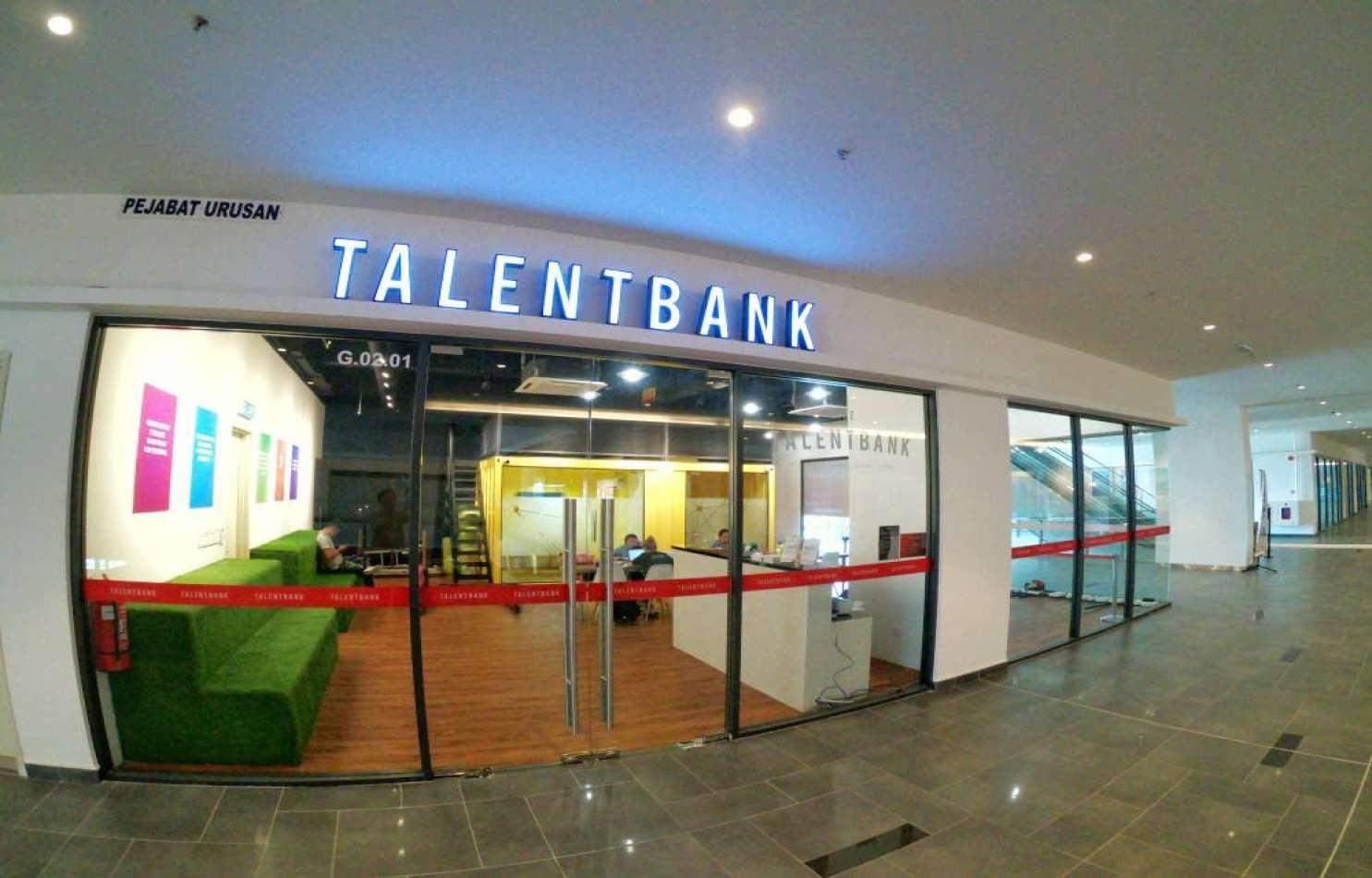 Talentbank15314749935b487431b609f9.47040470.jpg