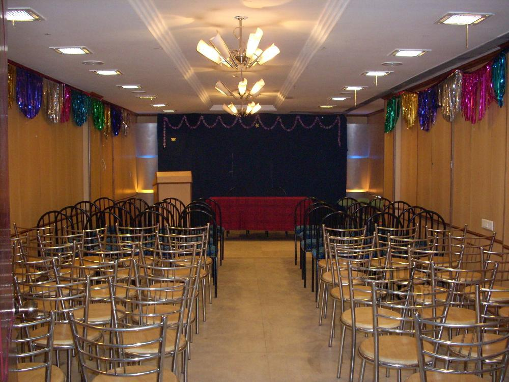 The Grand Foyer Party : Party hall at hotel manickam grand