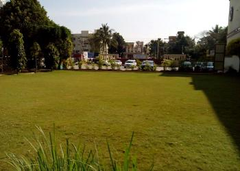 event-venue-lawn-area
