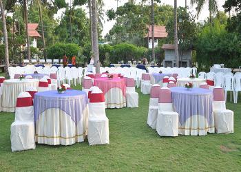 Lawn Side Banquet