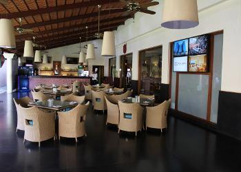 restaurant-near-lobby