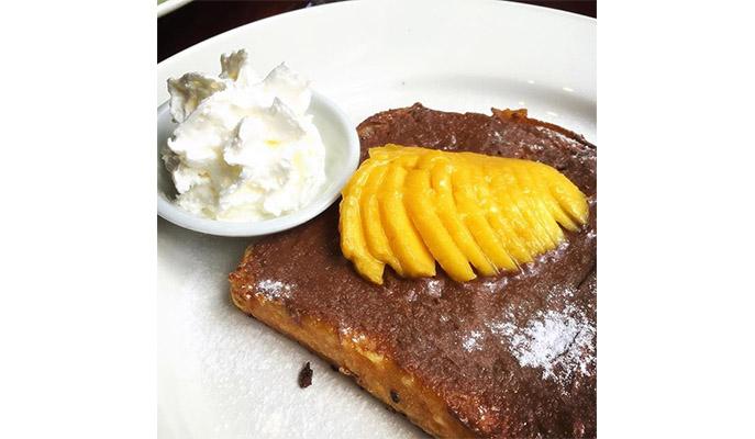Mango Nutella French Toast from La Creperie (Photo: @ducklingohana)