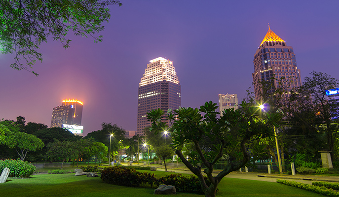 Lumpini Park at night