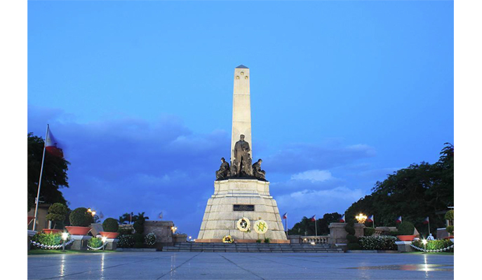Rizal Monument (Photo: @thefilmtraveler)