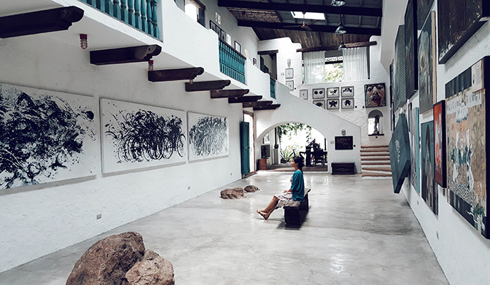 One of the halls of Pinto Art Museum