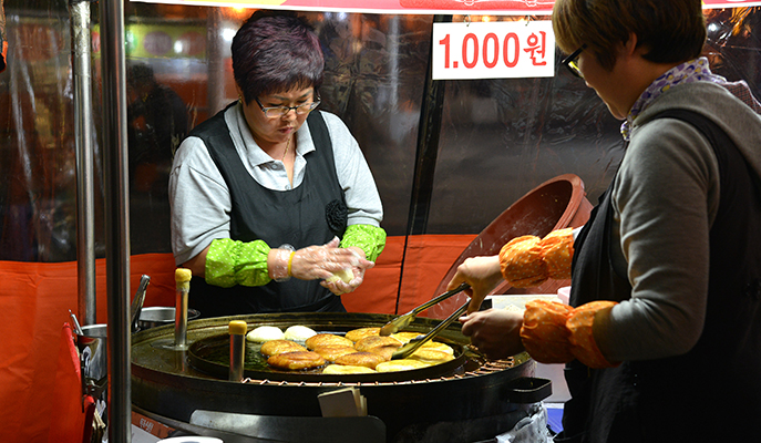A vendor selling hotteok
