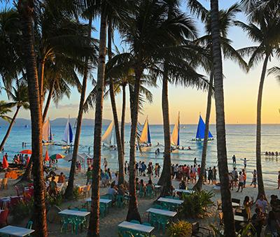 White Beach, Boracay (Photo: Rastislav Sedlak SK / Shutterstock.com)
