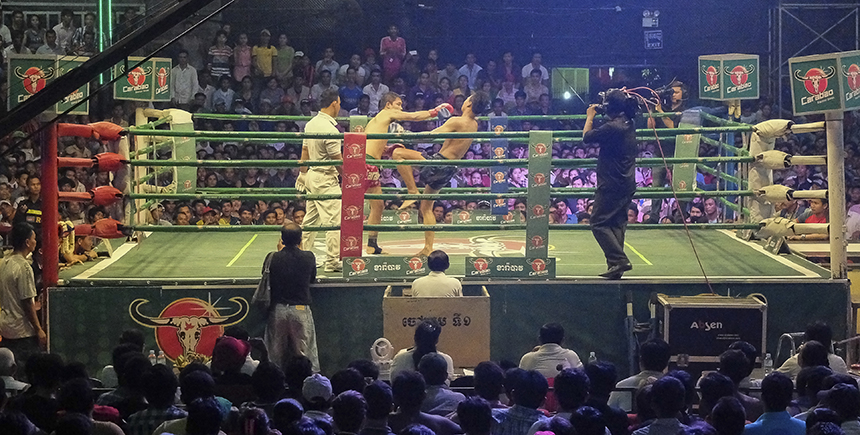 Kun Khmer fighters in a bout