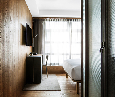 Comfort Room, TUVE