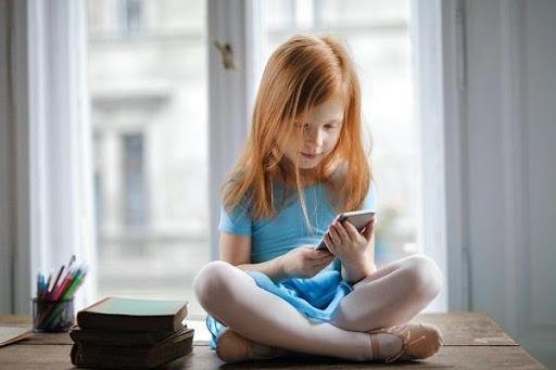 trẻ em sử dụng smartphone an toàn