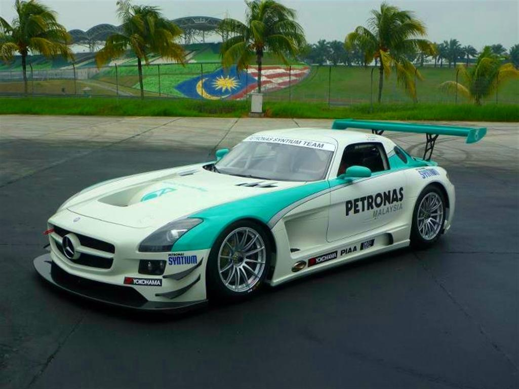 Mmer 2011 iconic mercedes set to make debut for petronas for Mercedes benz petronas