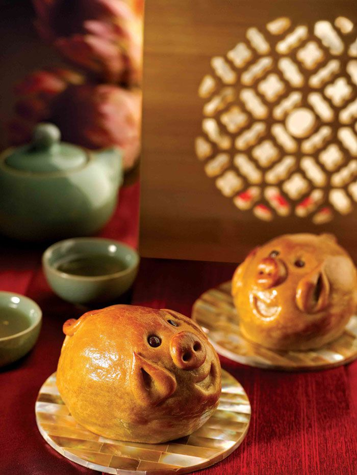 new-majestic-hotel-piglet-mooncake