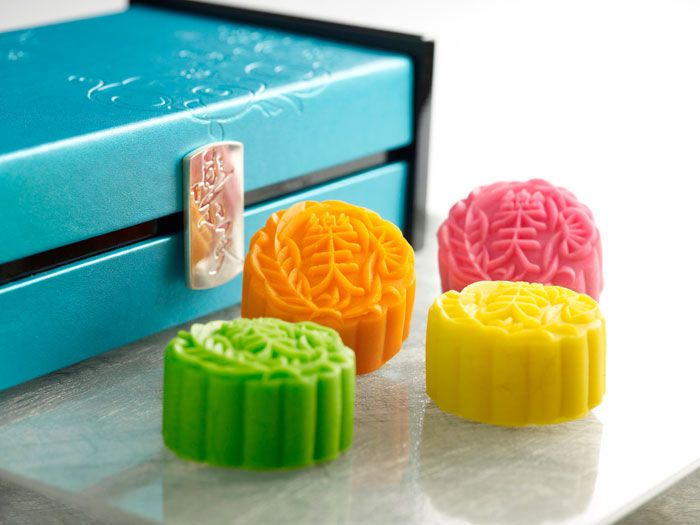 paradise-group-pomelo-mooncake-in-mango-snow-skin