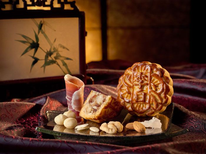 sheraton-tower-mixed-nuts-with-iberico-ham