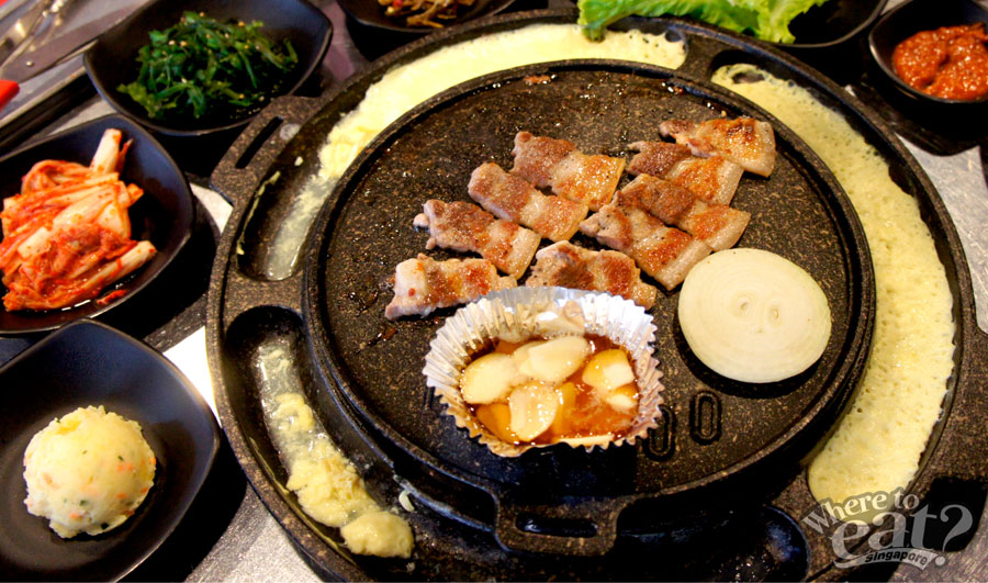 running-man-restaurant-samgyeopsal-set