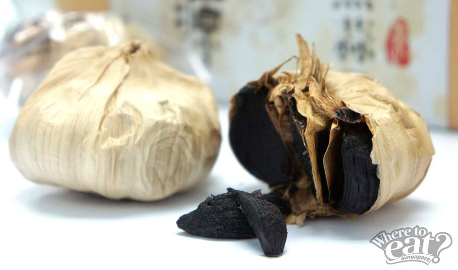 Multi-Cloves Organic Black Garlic