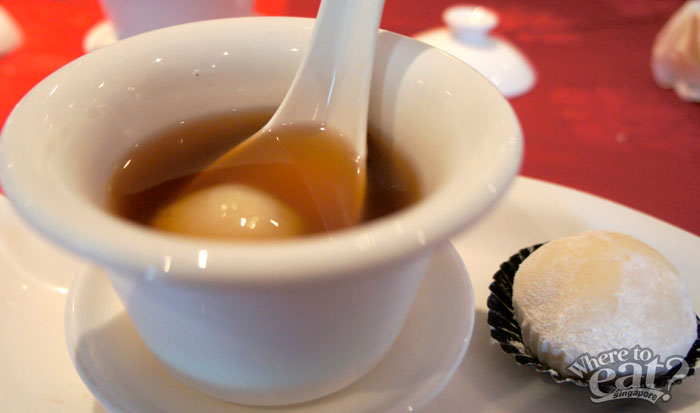 Boiled Hot Ginger Tea with Glutinous Rice Dumpling Accompanied with Maoshan Wang Durian Mochi