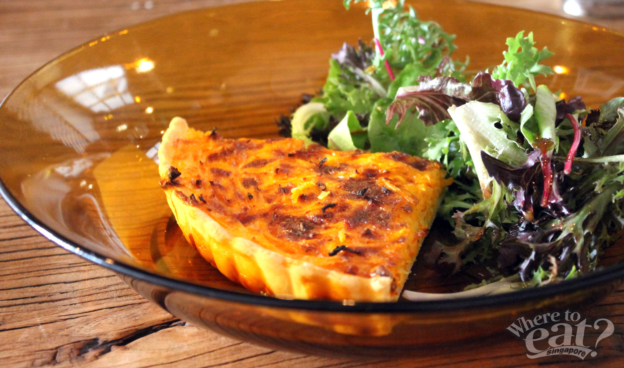 Quarter Quiche with Salad