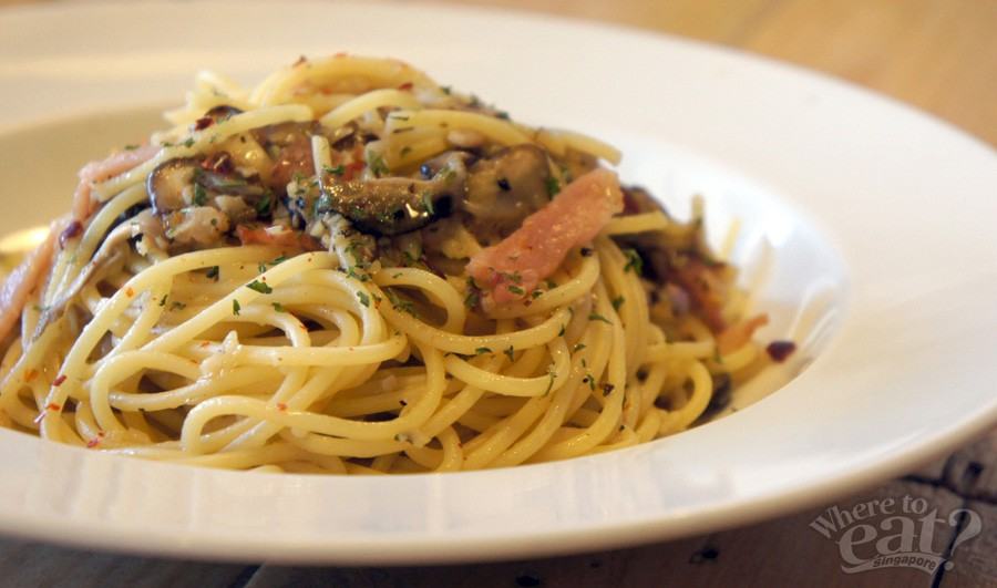 Bacon and Mushroom Aglio Olio