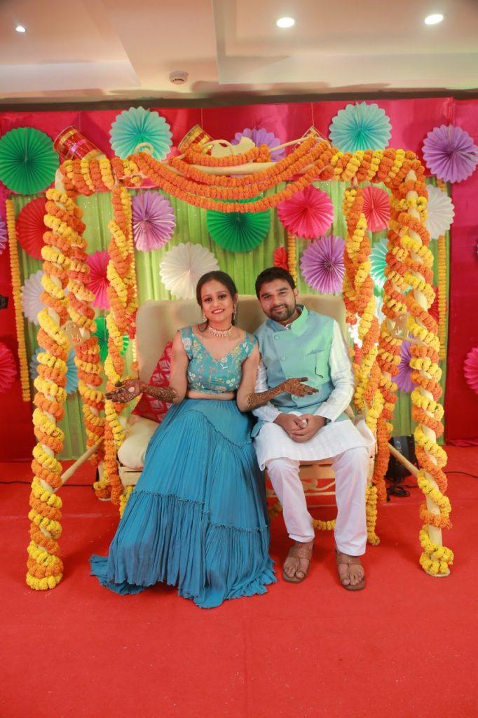 Mehendi Outfit & colorful mehendi decor