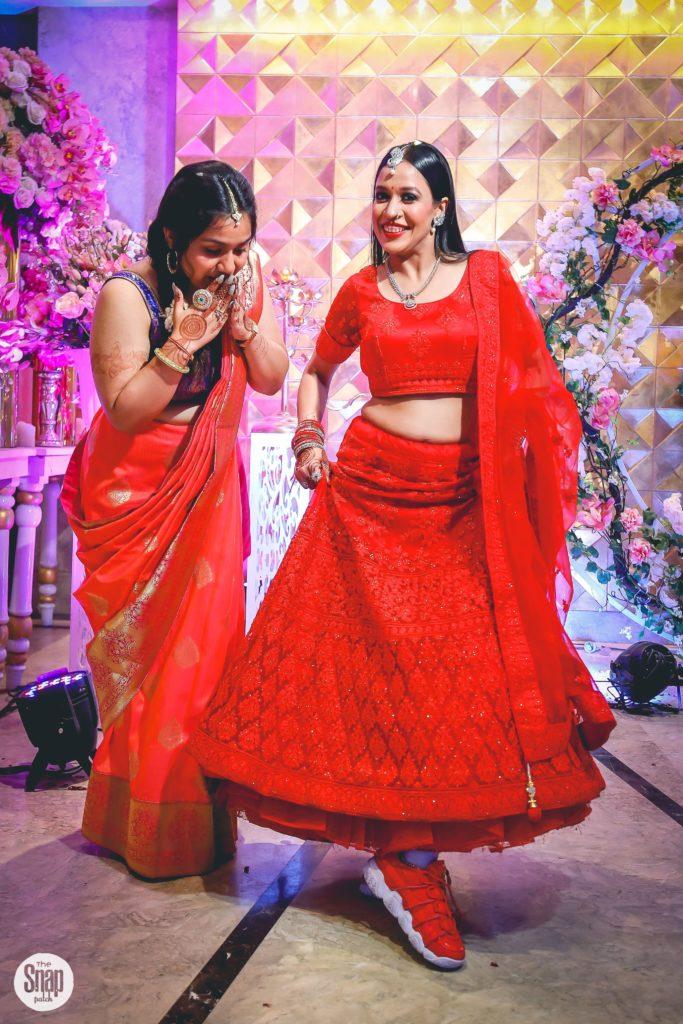 Delhi bride in red lehenga