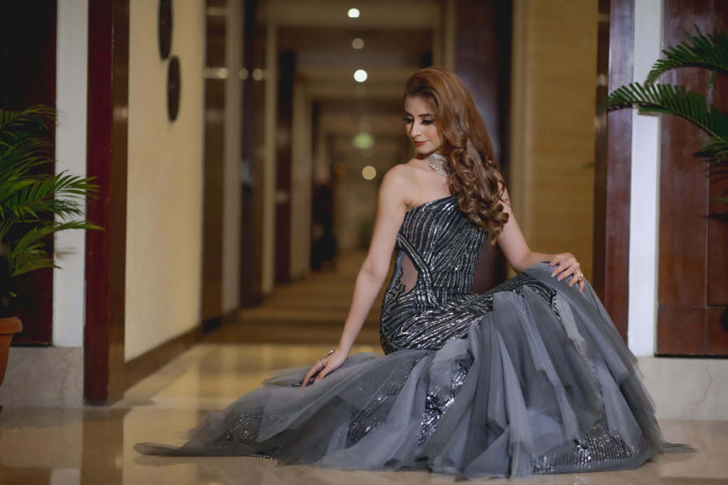Bride in grey gown with fishtail cut