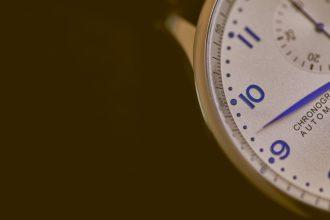 2 Minutes - Photo by Agê Barros on Unsplash