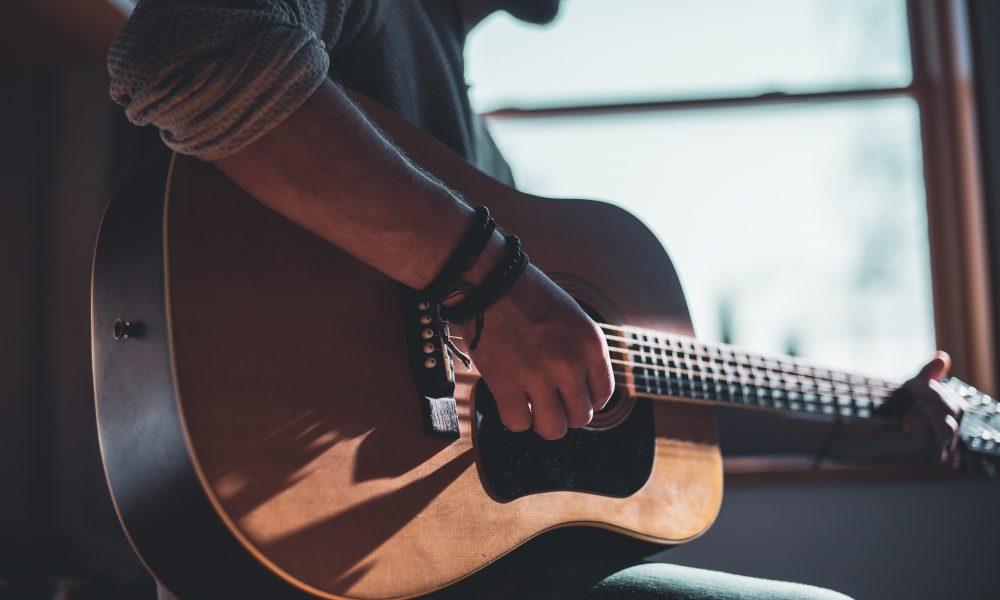 Guitar - Photo by Jacek Dylag on Unsplash