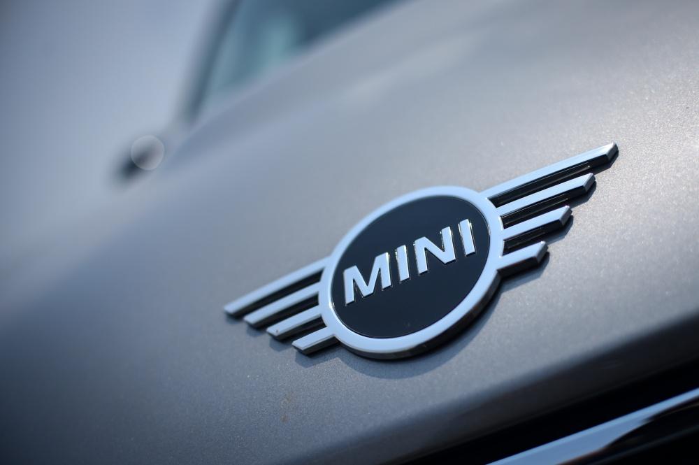 โลโก้รถ MINI