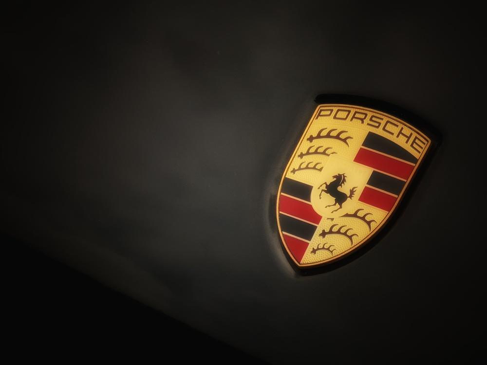 โลโก้รถ Porsche