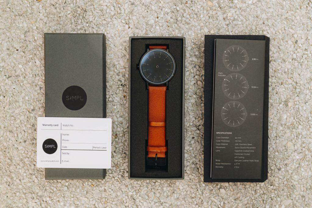 แบรนด์ Simpl Watch