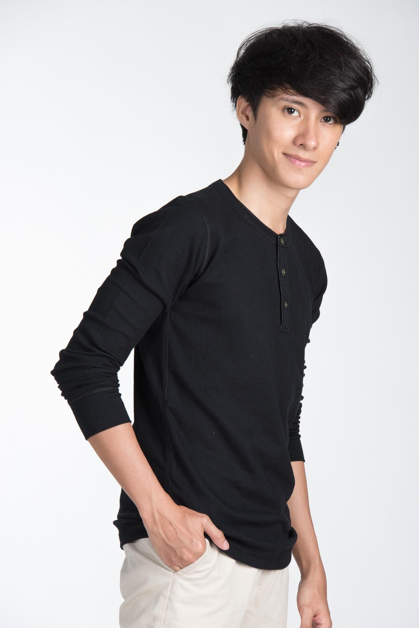 เสื้อแขนยาว ผ้าวาฟเฟิล : 390 THB