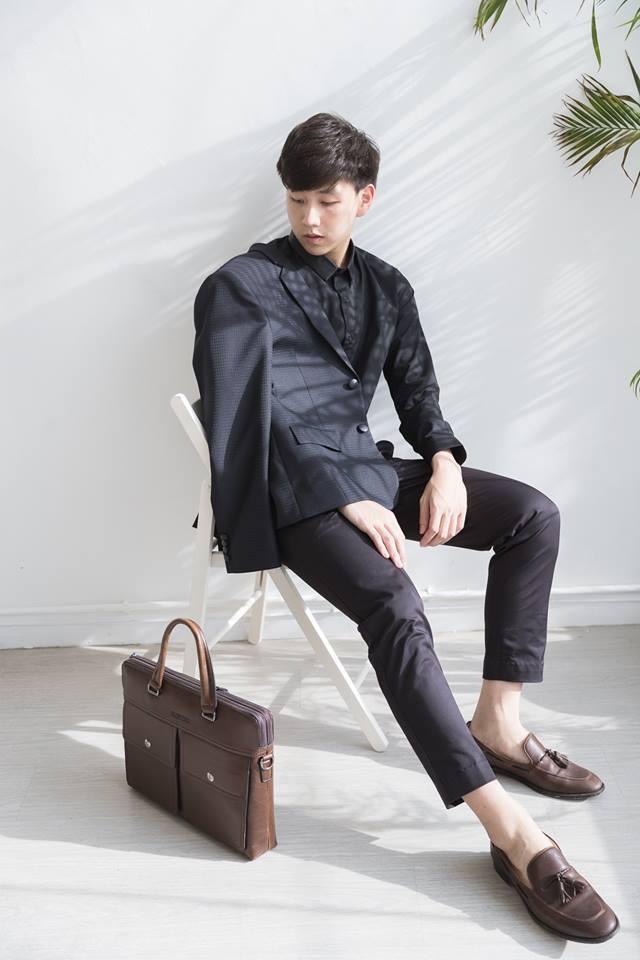 เสื้อสูท Black Geometric Suit : 4,790 THB