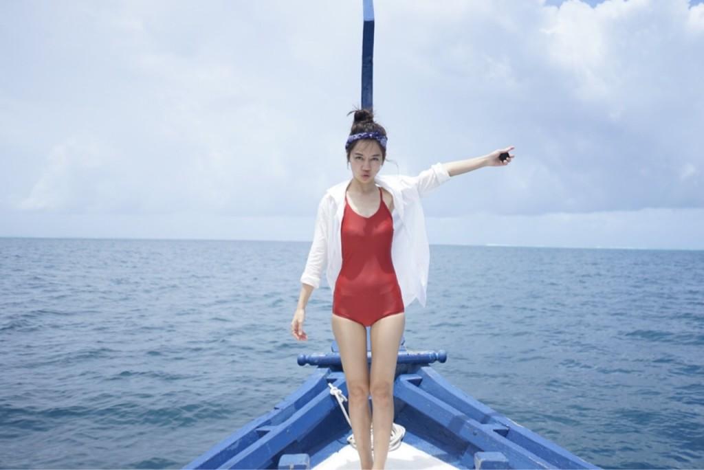 [ ชุดว่ายน้ำผู้หญิง Piece : 990 THB ]